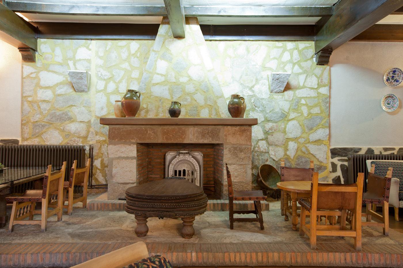 Fotos del hotel cueva del fraile cuenca web oficial for Sala de estar de un hotel